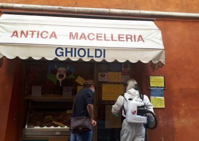 Sanificazione macelleria Ghioldi,massima igienizzazione contro Covid 19-La casa del macellaio-Antica Macelleria Ghioldi ai tempi del Corona Virus