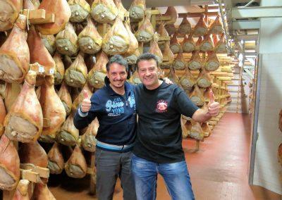 Prosciutto di Modena D.O.P.-Prosciuttificio Nini fornitore ufficiale della Antica macelleria Ghioldi